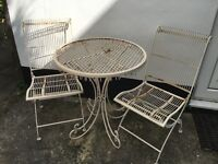 Garden/patio table and 2 chairs