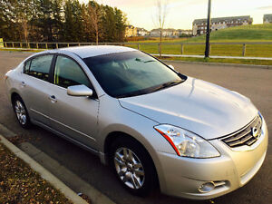 Super Clean 2012 Nissan Altima 2.5S Xtronic-Low Km-Accident Free