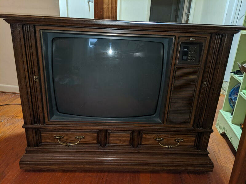 Vintage Zenith Space Command Color Television TV SE5535G Beautiful Condition