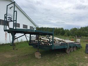 Flatbed gooseneck trailer