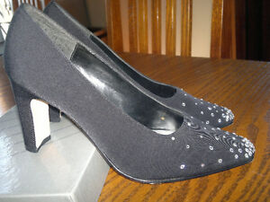 Blk shoes /chaussures noir  size 6.5 M **Reduced Price**