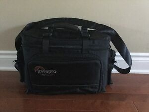 LOWEPRO CAMERA DUFFLE BAG Paid $525 selling for $195