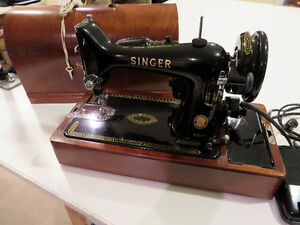 Vintage 1950's Singer 99K Sewing Machine with Wood Dome Case