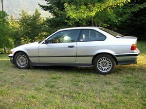 Classic 1992 BMW 325is 2 door coupe