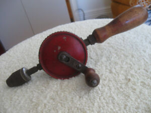 DAD'S OLD ANTIQUE STANLEY WOODWORKING EGG-BEATER HAND DRILL