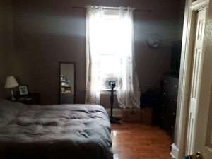 Room for rent Oct 1sr for duration of lease yr w/ option to rene