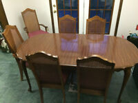 DINING TABLE, 6 UPHOLSTERED CHAIRS