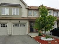 Beautiful Freehold Townhome in Binbrook!