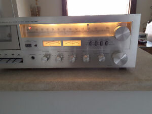 Toshiba vintage stereo receiver with cassette