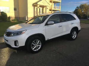 2014 Kia Sorento LX SUV. *has lots of WARRANTY left!*