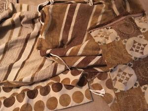 Tlamet et coussins de salon marocain