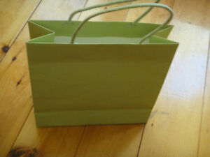 Treeless gift bags