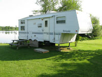 5th Wheel Trailer with bunks
