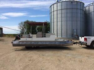 21ft Pontoon Boat
