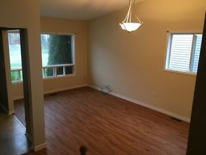 Renovated 3 Bedroom 2 Full Bath, Open View, Barrie, Availaile