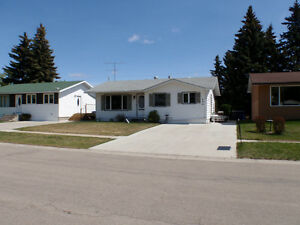 HOUSE FOR SALE 606 2ND ST W WILKIE MLS 556875