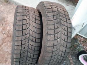 2 pneu d'hiver de 17 pouce,4 pneu 4 saison,2 pneu hiver 16 pouce