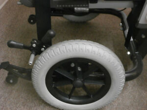 IBIS X-Series Tilt-in-Space Manual Wheelchair Campbell River Comox Valley Area image 7