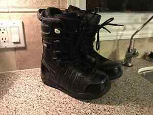 Morrow size 7 men's Snowboard Boots