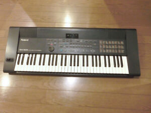 Intelligent Synthesizer Arranger 61 Key Keyboard, by Roland!