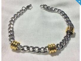 """MENS Stainless Steel 8"""" Bracelet."""