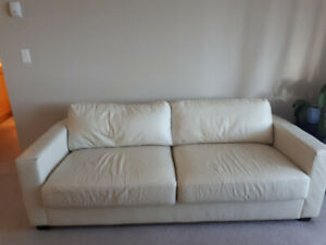 White Sofa Leather in good condition pick up tomorrw 20 Mar 2019