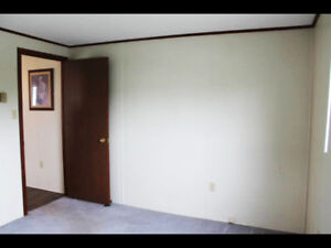 Large room in Eastern Passage available now