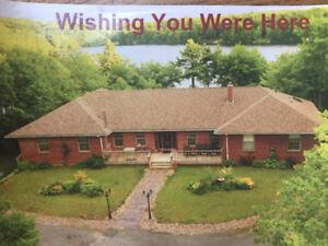 Hammonds Plains home on the lake!