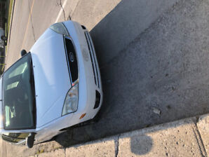 Ford focus 2005 zx4 1100$
