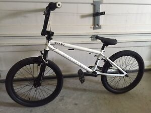 2015 HARO Downtown DLX BMX bike