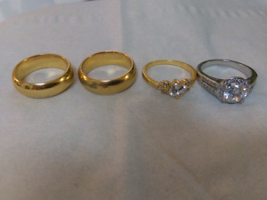 Selling 4 beautiful Rings