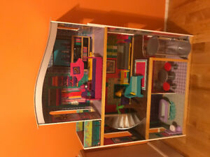 Doll (Barbie) House