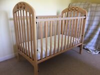 Mamas and Papas Amelia Cot in excellent condition