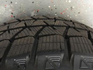 Pneus d'hiver Bridgestone Blizzak comme neufs