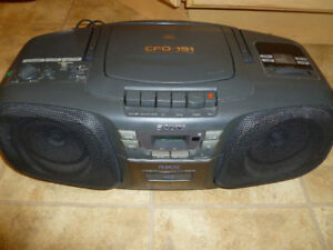 Sony CFD-151 Boombox with Cassette Recorder, AM/FM Radio and CD