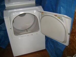 Dryer works and looks such as a brand new one! Gatineau Ottawa / Gatineau Area image 2