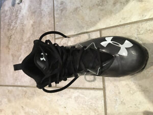 Under Armour football cleats size 11