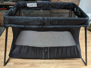 Baby Bjorn Travel Crib Play Yard Light, Black - Great condition!
