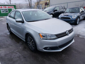 2013 Volkswagen Jetta TDi Highline Sedan - Nav, camera, leather