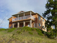 House overlooking Skaha Lake perfect for B&B