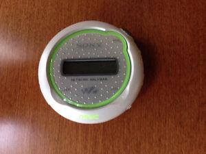 Sony Network Walkman NW-E105 MP3 Player 512MB