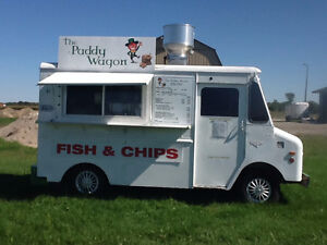 THE PADDY WAGON CHIP TRUCK & TRAILER