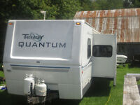 2004 TERRY QUANTUM TRAILER