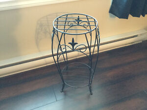 End table and plant stand