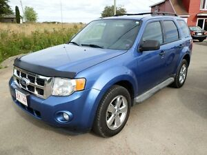 2010 Ford Escape AWD - LOADED- Easy Financing for EVERYONE!