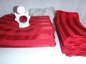 Table cloth, napkins, napkin holders