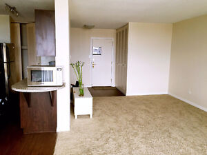 Windsor Park Plaza Lease Takeover-One Bedroom Apt Now Only$1150