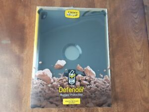 "Ipad 12.""9 (1st Gen) Otter Box Defender Case - BRAND NEW"