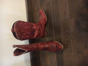 Red Ariat boots