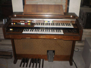 Orgue Yamaha model B-60